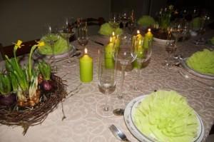 Flot eksempel på borddækning i grønt tema.